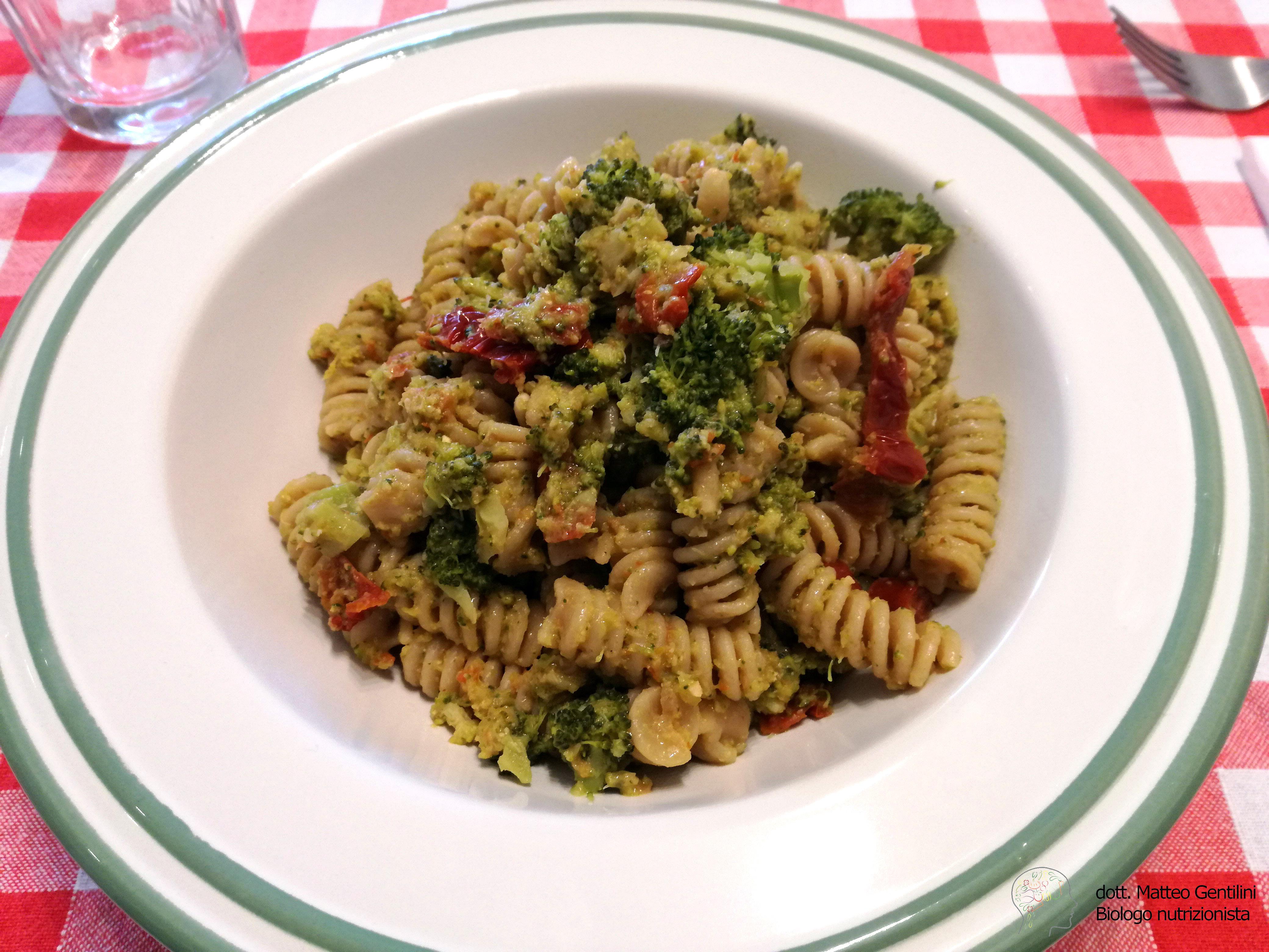 Fusilli broccoletti e pomodorini secchi